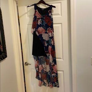 Like new! bebe asymmetrical hi low floral dress
